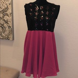 Black sequence flower top & pink dress
